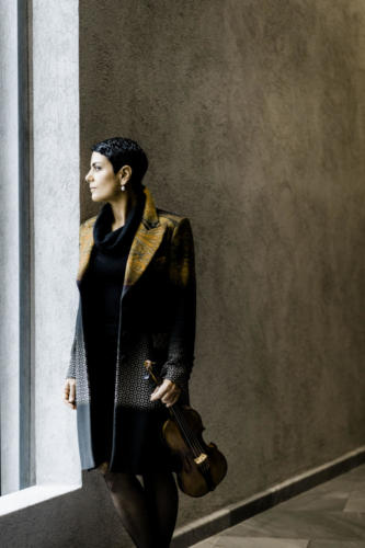 Leila Schayegh - Photo: Marco Borggreve